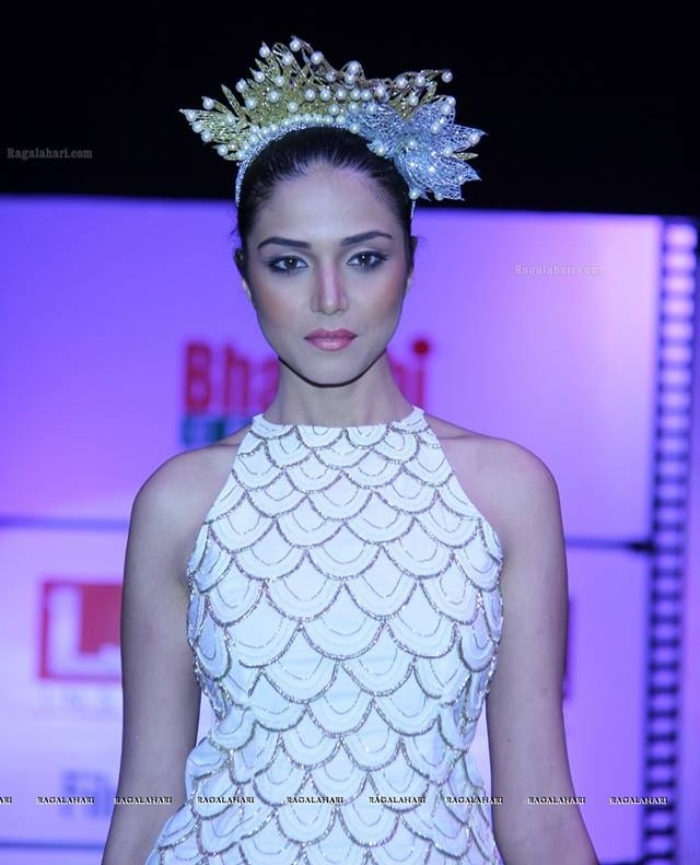 Manasi Moghe Miss Indian Diva 2013 winner photo